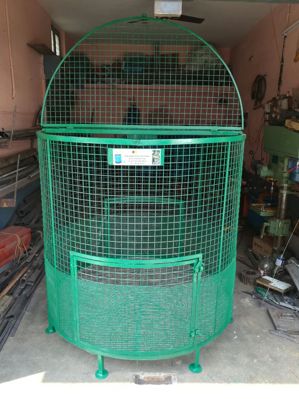 Garden leaf composter with seven legs and split lids